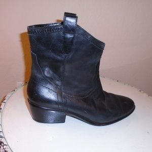 AEROSOLES BLACK LEATHER ANKLE BOOTS ~ 9.5 ~ COMFY!